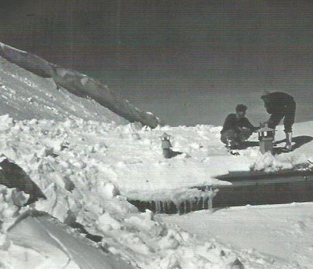 1956: gran nevicata quell'anno sullo Stivo. Ecco come si presentava il rifugio Marchetti a quanti, nonostante la neve, vollero raggiungerlo